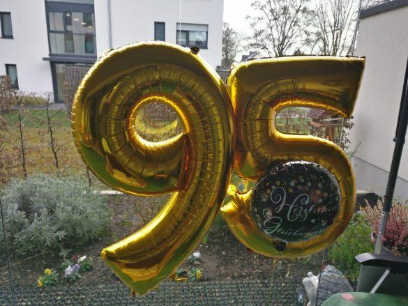 95. Geburtstag Heliumballons € 9,90 pro Zahl 35