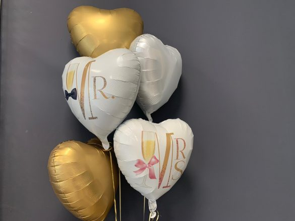 Mr. & Mrs. Ballons je € 5,90, neutrale Ballons je € 4,50 49
