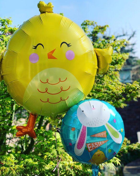Osterhuhn als Heliumballon 43