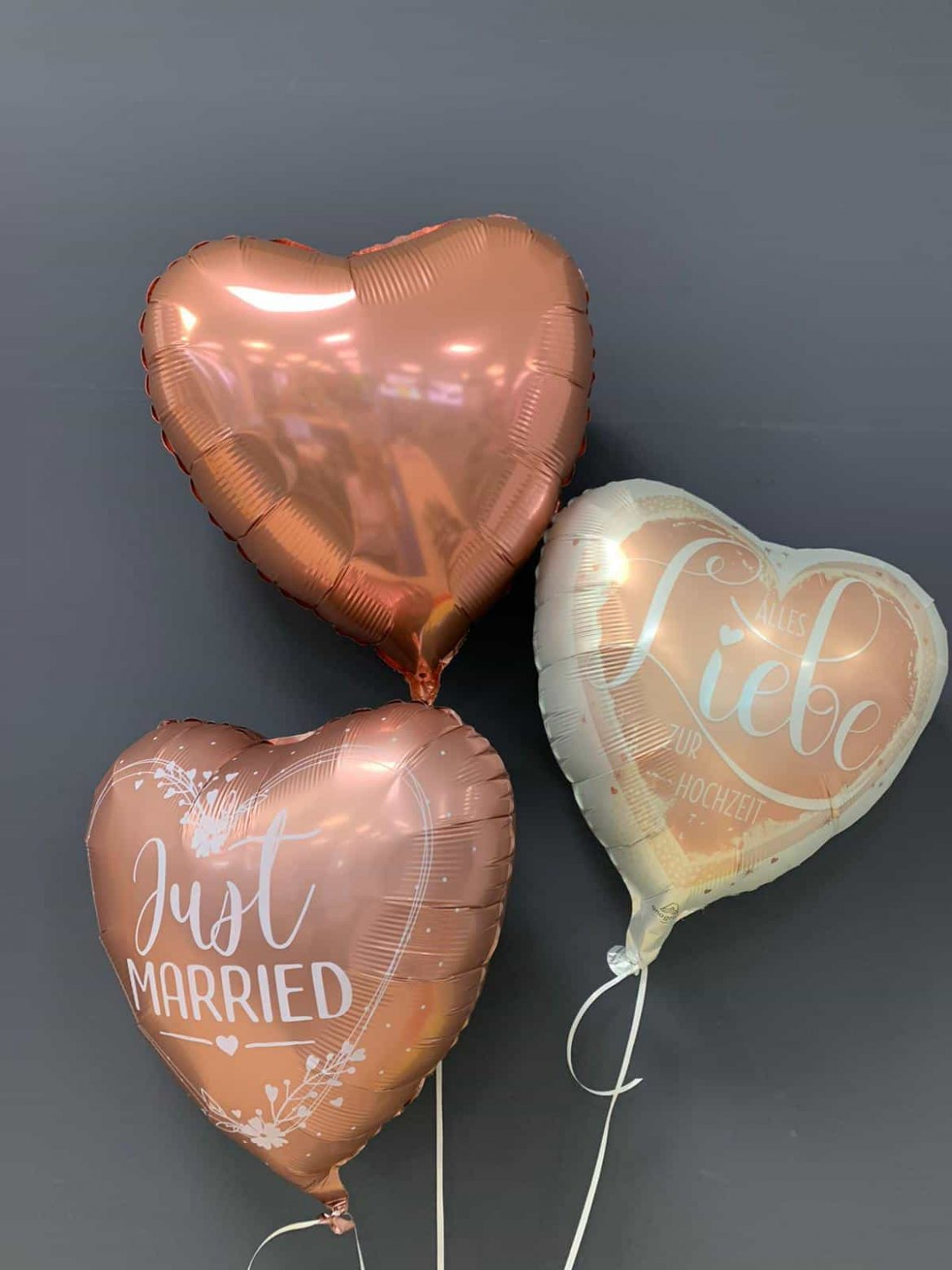 Just Married € 5,90<br />Alles Liebe € 5,90<br />Dekoballon € 4,50 1