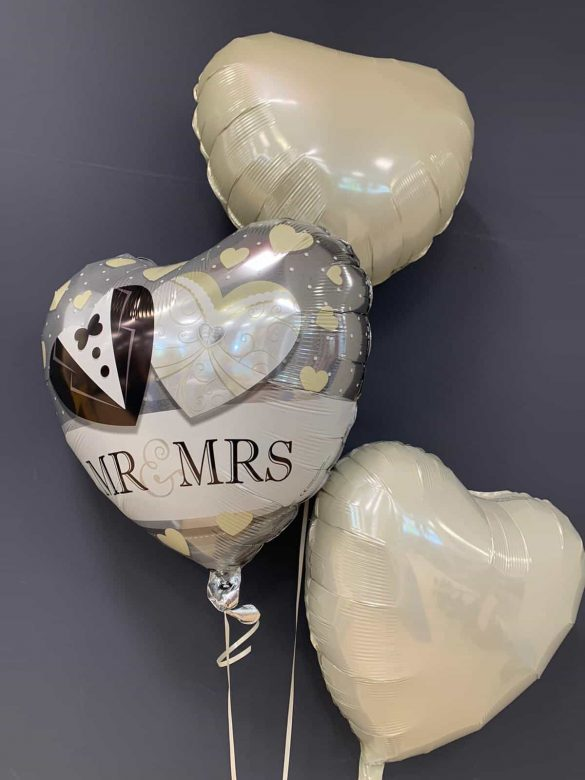 Mr & Mrs Ballon € 5,50<br />Dekoballons € 4,50 33