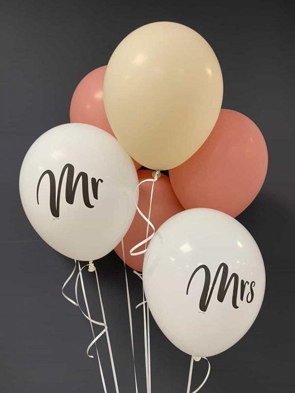 Mr and Mrs Latexballons<br>€ 0,50 Ballon mit Druck<br>€ 0,30 ohne Druck<br>€ 1,40 Heliumfüllung 9